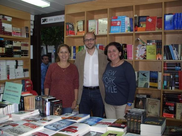 """Con Luz y Yolanda en """"Librería REGUERA"""""""